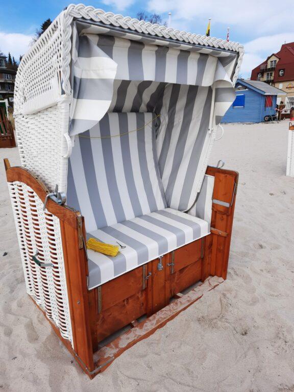 Strandkorb weiß grau weiß
