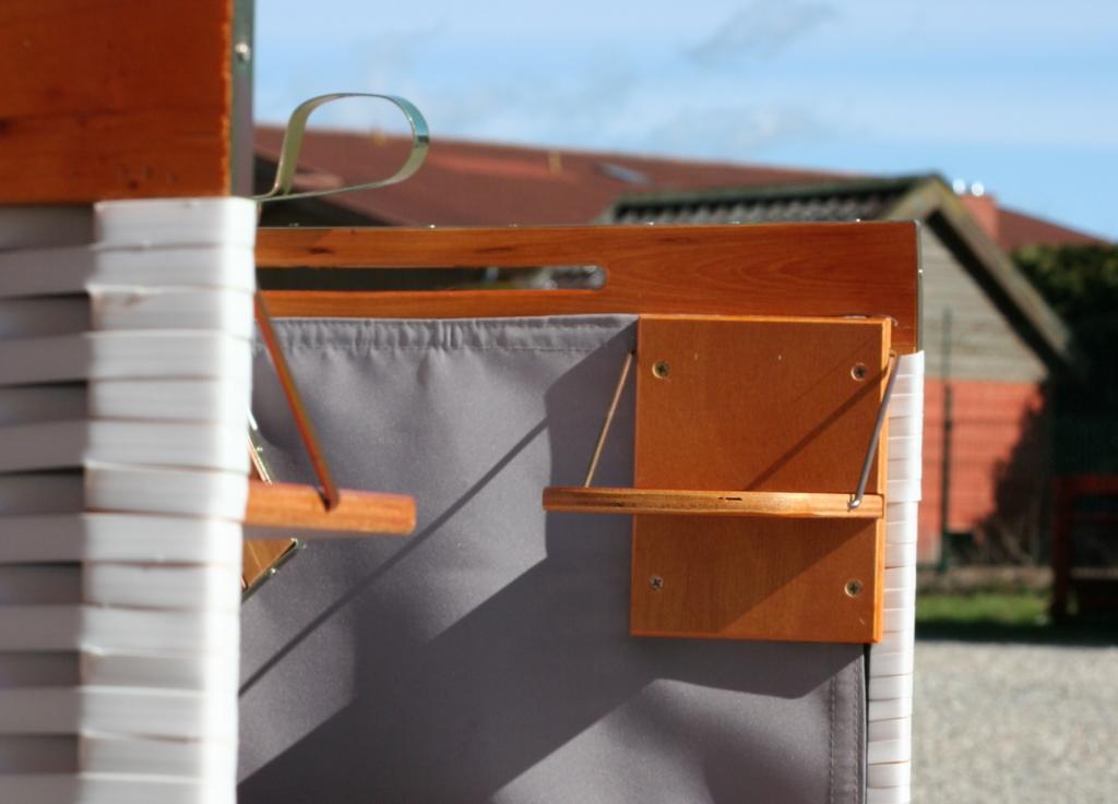 Strandkorb Holz Ausstattung